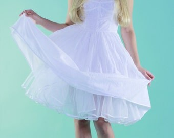 50's romantic wedding dress for a petticoat Sizes from XS, S, M, and L