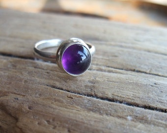 Purple Amethyst  Ring - 925 Sterling Silver - Bezel Set Gemstone - Zambia Africa - Size 6.5 - Handmade Jewelry