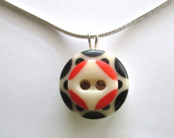 SAN FRANCISCO GIANTS antique button pendant. Orange & Black. One of a kind