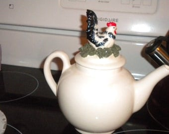 Spectacular Vintage Rooster Teapot, Cottage chic, French, French Country, Primitive, Country, Eclectic