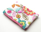 Quilted zipper coin purse. Quilted zip bag.  Zip pouch quilted. Pink, amber green, turquoise. Folk art print. Handmade.