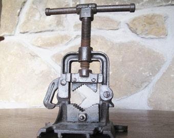 Armstrong Pipe Vise, 907, Working, Antique, Steampunk, Bridgeport, Conn, Junior, Yoke Pipe Vise,