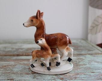 Vintage porcelain figurine - deer and a fawn.