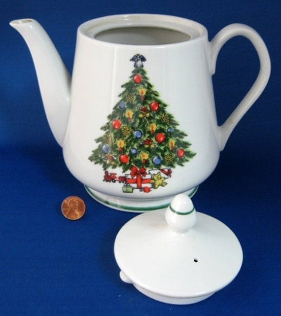 Christmas Tree Teapot: Teapot Christmas Tree Large 1970s Porcelain By