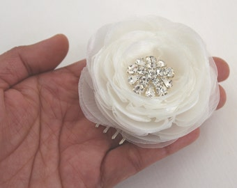 Bridal hair flower/ ivory wedding hair accessories/ wedding hair flower/ small hair flower