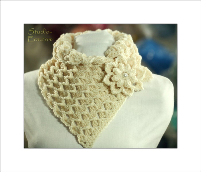 PATTERN Crochet 3D Chunky Neck Warmer with a 3D Flower