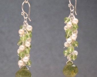 Clusters of ivory pearls, peridot, idocrase earrings Princess 223