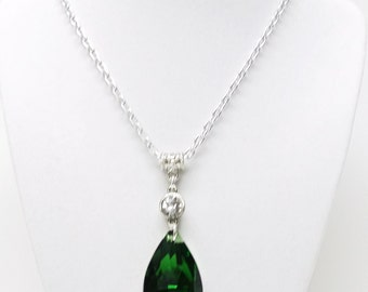 Green Crystal Facetted Teardrop Pendant Necklace
