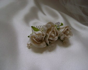 Ivory Rosebud Comb