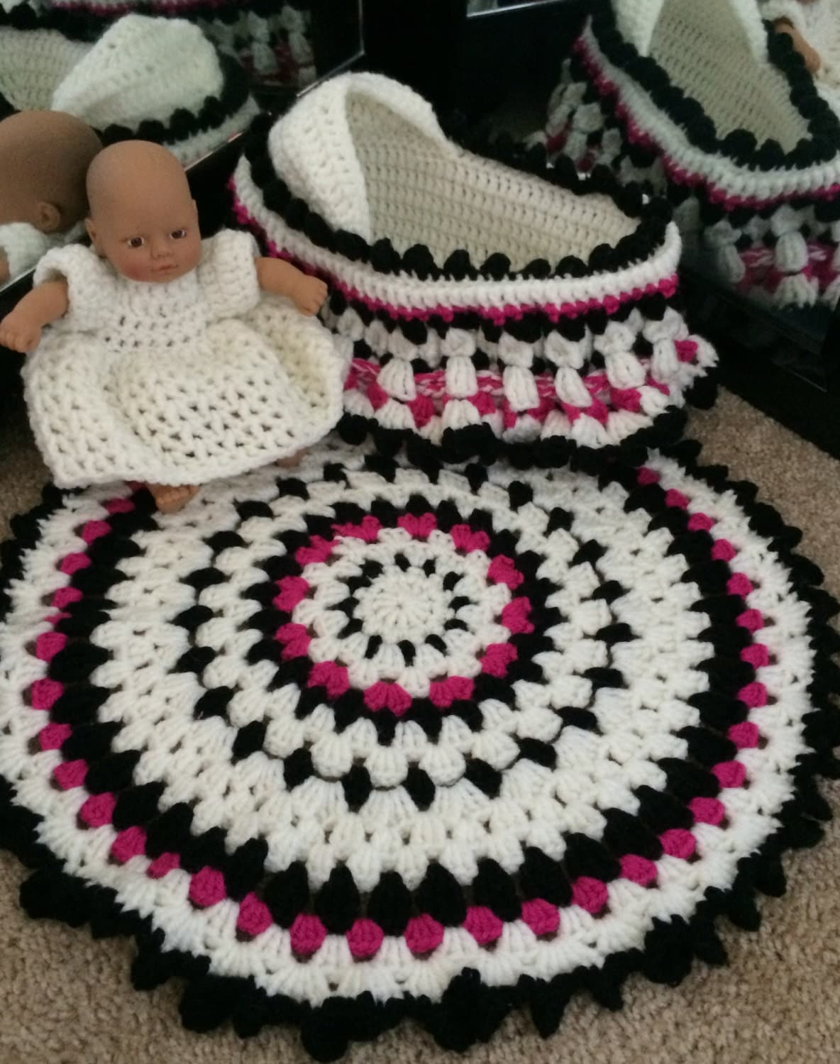 Toddler Crochet Purse Pattern : Small Crochet Baby Cradle Purse PATTERN