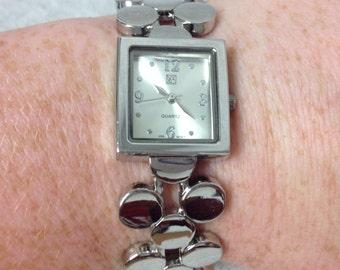 Vintage New York and Company Dot Design Silvetone Wrist Watch