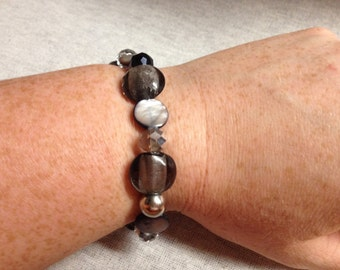 Vintage Costume Black, Gray, Silver, and Clear Glass Beaded Stretch Bracelet