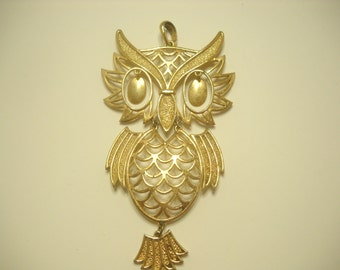 Gold Tone Wise Old Owl Pendant (3251)
