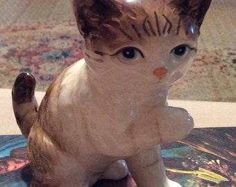 Adorable Vintage Ceramic Kitten, Made in Japan from 1960's