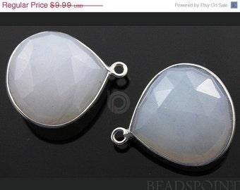 SALE Original Chalcedony Bezel Gemstone, Heart Shape Component, .  22mm, 1 Piece, (SSBZC7047(A)