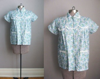 1950s Blouse Floral Print Smock Pajama Top / Medium