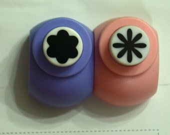 A Set of 2 Paper Punches- Daisy & Plum Flower