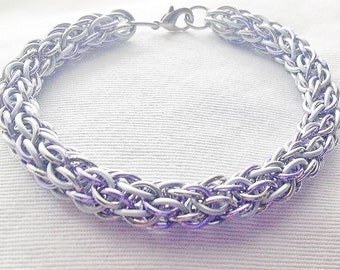 Chainmaille bracelet,  lavender, silver and frost white anodized aluminum candycanecord weave