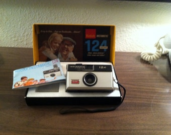 Kodak Instamatic 124 Color Outfit with Box