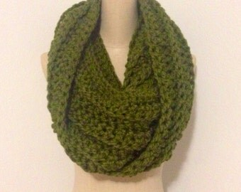 Super chunky wool blend infinity scarf-cilantro