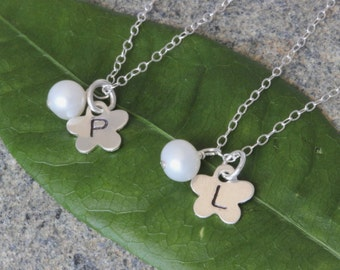 SALE.3 set of Initial Flowergirl Neckalce.Personalized Initial Freshwater Pearl Necklace. Flowergirl Gift. Thanks You Card.Flower initial