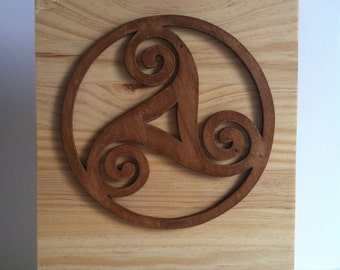 Trisquel Celtic in wood wall decor