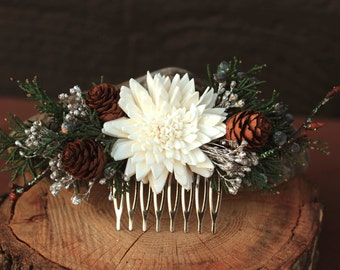 Winter Wedding Hair Comb, Rustic Winter Wedding Hair Accessory, Sola Flowers, Juniper and Pinecone Hair Accessory, Holiday Wedding Hair Comb