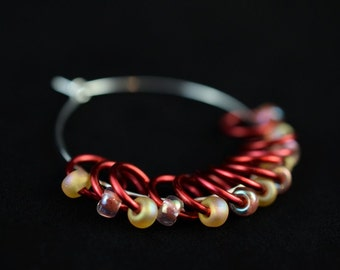 Small - Red Mix - Snagless - Dangle and Snag Free - Stitch Markers - Ideal For Lace and Sock Knitting