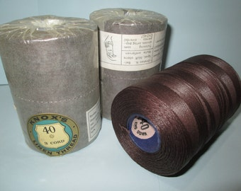 KNOX'S Machine LINEN THREAD . No 40 - 3 Cord . 250 gms Large Cone