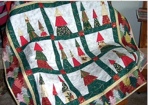 Quilted christmas trees winter wall hanging lap quilt red