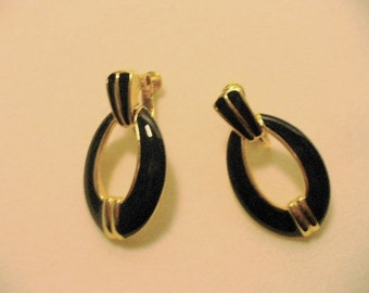 Classic Style Black and Gold Vintage Napier Dangle Screw Back Earrings
