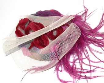 Small hat fascinator color Magenta
