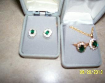 Emerald-like set, ring, earrings and pendant