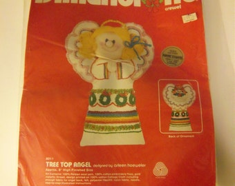 Dimensions Crewel Embroidery Tree Top Angel, Unopened Christmas Kit #8011
