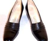 50s Shoes, Black Pumps, Patent Leather Shoes, High Heeled Shoes, Women's Size 9 Shoes, MCM Shoes, Vintage Shoes, Narrow Shoes,