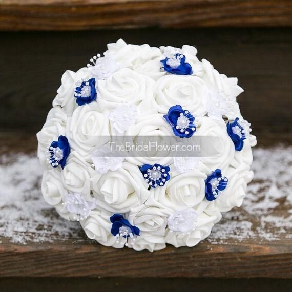 bouquet de mariage en bleu royal blanc bouquet par. Black Bedroom Furniture Sets. Home Design Ideas