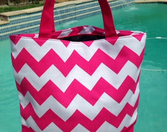 Adorable canvas tote 13.5x16- lined and zips