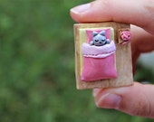 Cat Figurine, Cat Miniature, Tiny Cat, Polymer Clay Cat, Dollhouse Cat, Sleeping Cat, Bedtime Cat, Gift for Cat Lover, Cat Nursery, Kitty