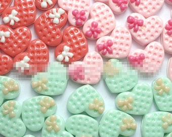15pcs Strawberry Heart Cake resin flatback cabochon