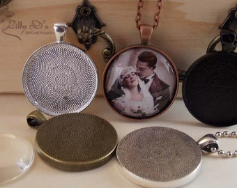 25 DIY Kits 30mm Trays with Glass and Chains. Vintage and Antique Bezel Settings. Mix-N-Match 5 Colors.