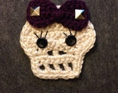 Bow skull with studs