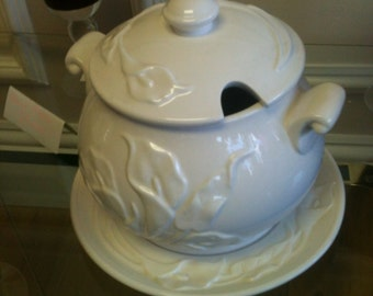 White soup tureen