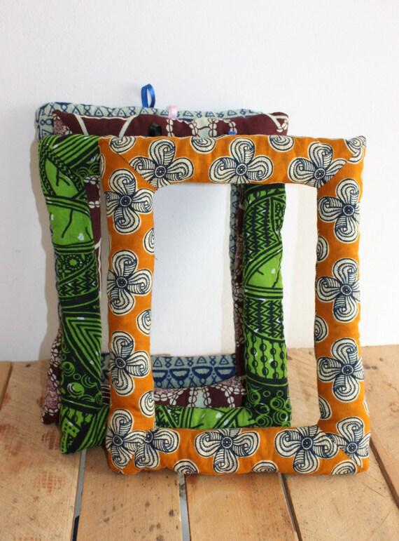 cadre photo en wax tissu africain rembourr por diamrek en etsy. Black Bedroom Furniture Sets. Home Design Ideas