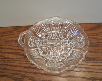 Round Scalloped Edge Divided Dish