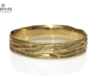 14k Yellow Gold wedding band, modern wedding ring ,engraved men's single band, women's ring, solid gold wedding band