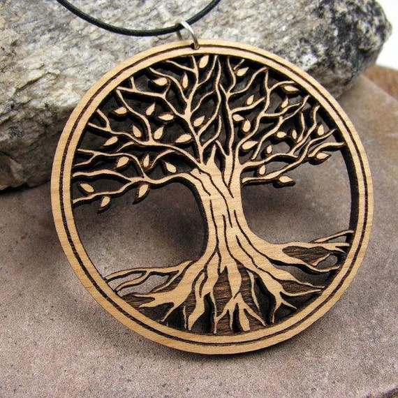 articles similaires arbre de vie durable aulne bois pendentif bijoux de mode eco pour le. Black Bedroom Furniture Sets. Home Design Ideas