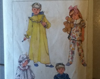"Simplicity Child's Nightgown, Pajamas, Robe & Night Cap Pattern 7652 Size: 2, Breast 21"", Waist 20"""