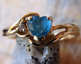 14K Gold Ring with Bright Blue Heart & Diamond Accent (st - 884)