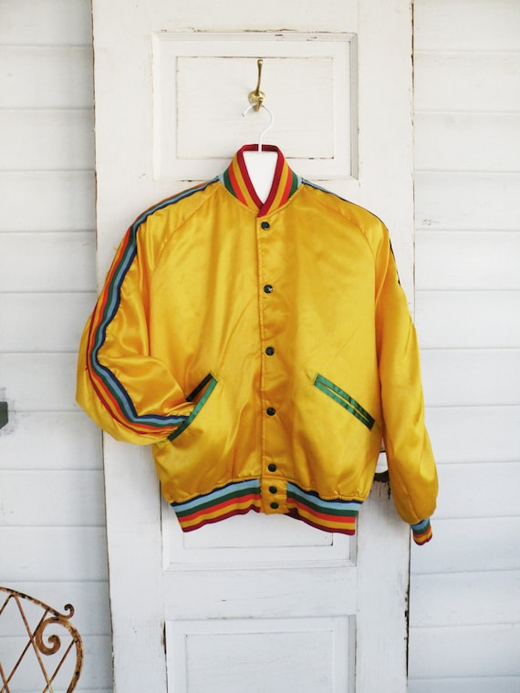 f6c6e7bf6cf46 Medium Vintage Yellow Satin Bomber Jacket Rainbow Stripe