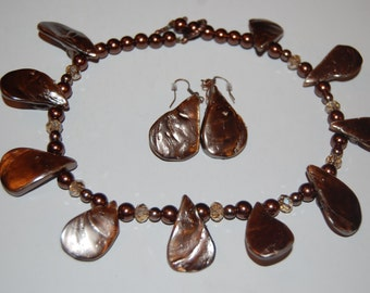 Brown shell necklace and earrings